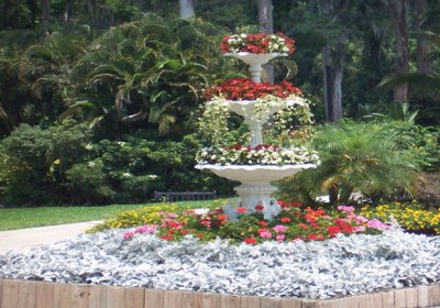 floral-fountain-14531291567578vp9